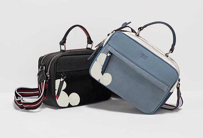 005f3b402 Os tênis, que já são must-have, e as bolsas, ganham detalhes icônicos do  Mickey e cores que são atemporais e perfeitas para usar o ano inteiro.