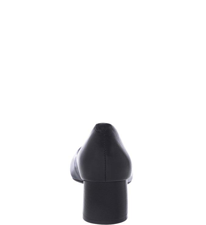 Scarpin Bico Fino Couro Baixo Preto