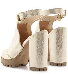 Sandal Boot Couro Metalizada Tratorada Fivela Platino