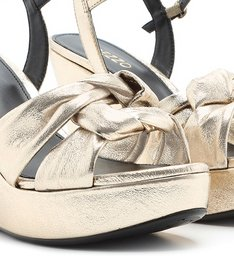 Sandália Dourado Claro Plataforma Couro Nó