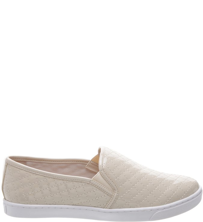 Slip-On Matelassê Verniz Off White | Arezzo