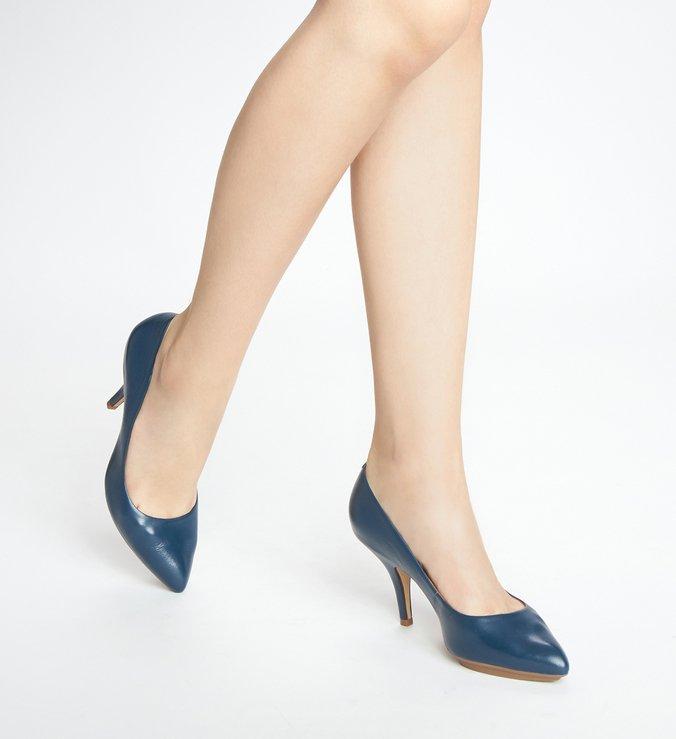 Scarpin Azul Couro Salto Médio Bico Fino Meia Pata