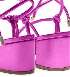 Sandália Metalizada Tiras Amarração Rosa