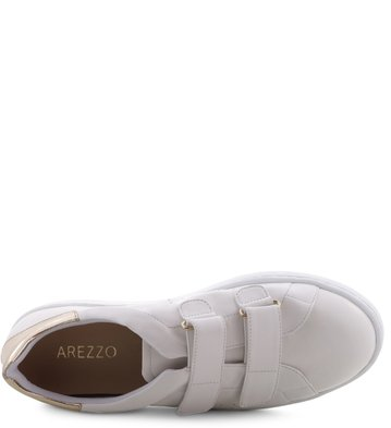 Tênis Velcro Branco Detalhe Ouro