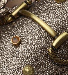Mule Rasteira Ouro com Bridão Metal