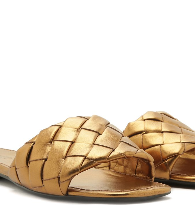 Sandália Rasteira Couro Tressê Bico Quadrado Toast Gold