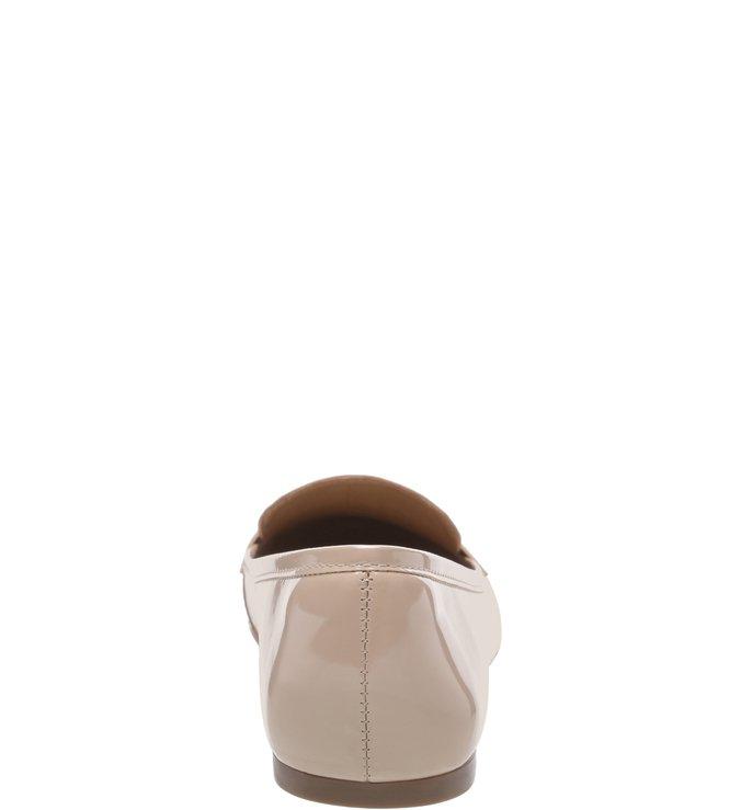 Mocassim Verniz Salto Rasteiro Light Cream