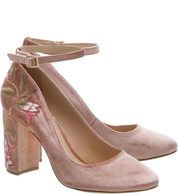 Sandália Fechada Bordados Flores Rose