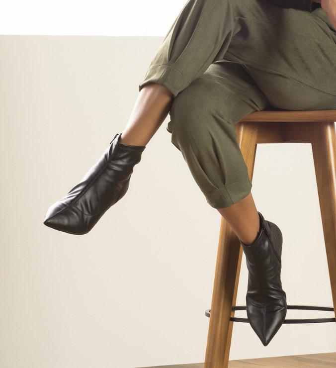Skinny Boot Salto Fino Baixo Preta
