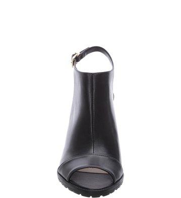 0527b23a4 Sandal Boot Couro Daily Preta | Arezzo