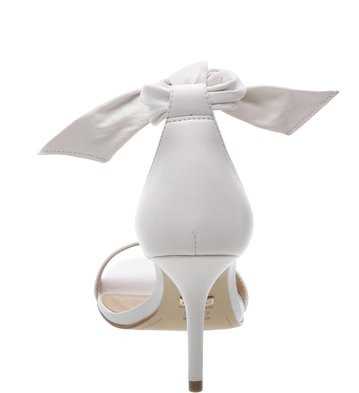 9c13a5253 Sandália Romantic Off-White