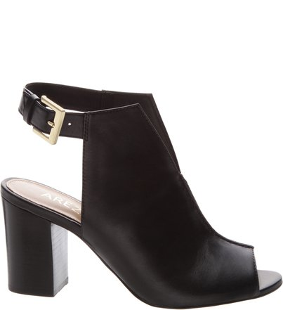 8022ab9c54 Sandal Boot Couro Recorte Preta