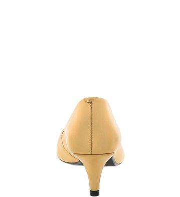 Scarpin Couro Bico Fino Salto Baixo Vintage Gold